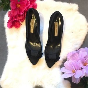 Marc Jacobs black kitten heel with a bow sz 8